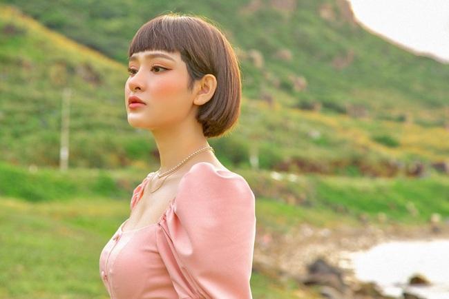 Hiền Hồ: Từ cô gái bị Tóc Tiên bỏ rơi ở The Voice đến mỹ nữ tạo hit của showbiz, khiến Trường Giang - Trấn Thành mê mẩn - Ảnh 6.