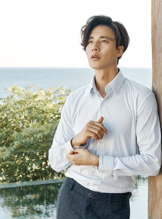 """Hyun Bin đang """"gây bão"""" thì Won Bin lại khai xuân bằng bộ ảnh cực phẩm, dân tình chỉ biết than thở: Sao anh Bin nào cũng đẹp vậy - Ảnh 2."""