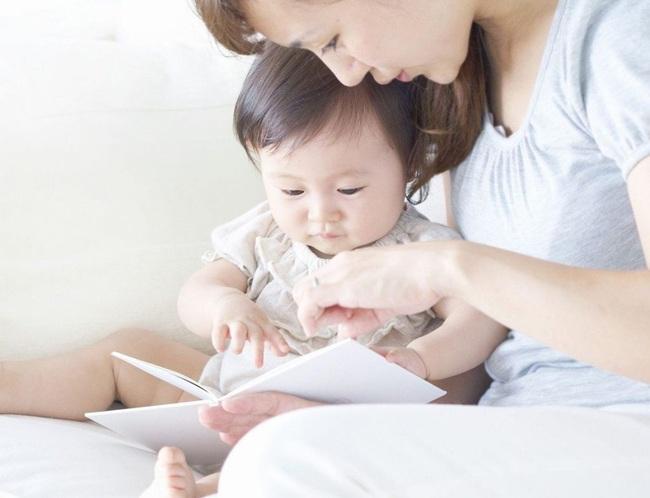 Nhìn kết quả MRIs não bộ của hai đứa trẻ: thường xuyên đọc sách và thường xuyên xem điện thoại, cha mẹ sẽ biết mình nên làm gì với con - Ảnh 4.