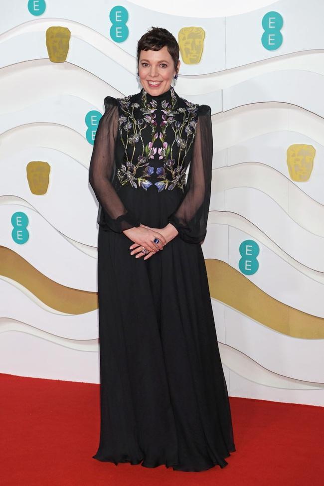 """Thảm đỏ BAFTA lần thứ 73: Vợ chồng Công nương Kate Middleton bị con gái Johnny Depp chiếm toàn bộ """"spotlight"""" vì màn hở bạo - Ảnh 3."""