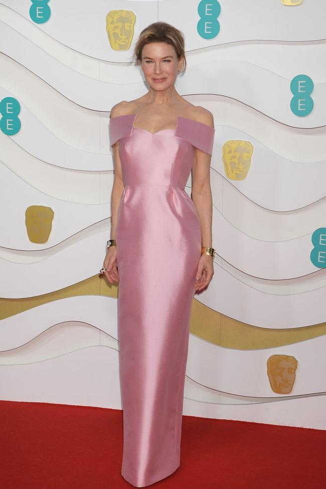 """Thảm đỏ BAFTA lần thứ 73: Vợ chồng Công nương Kate Middleton bị con gái Johnny Depp chiếm toàn bộ """"spotlight"""" vì màn hở bạo - Ảnh 14."""