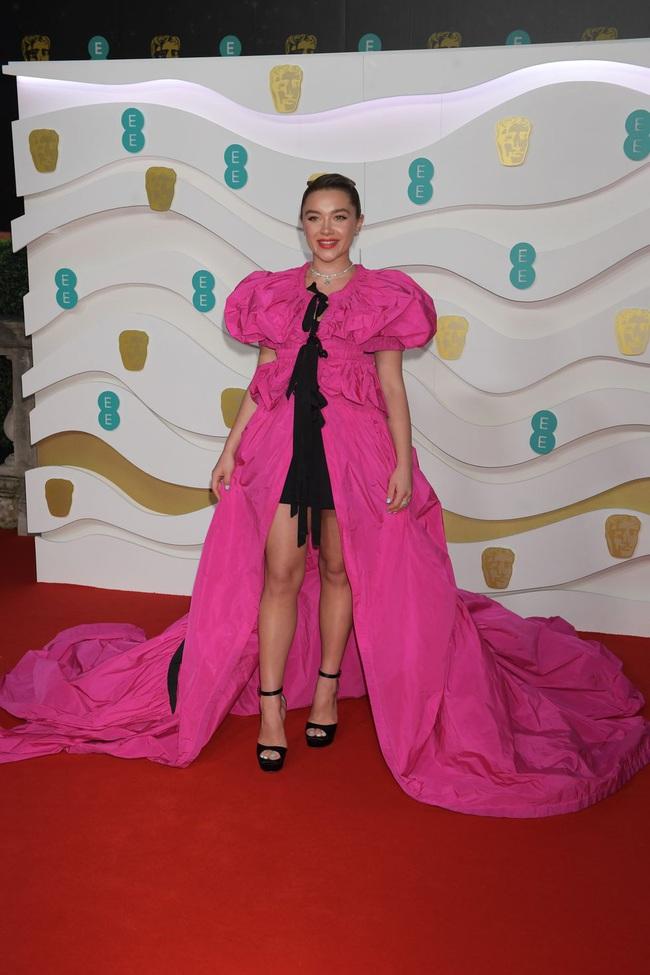 """Thảm đỏ BAFTA lần thứ 73: Vợ chồng Công nương Kate Middleton bị con gái Johnny Depp chiếm toàn bộ """"spotlight"""" vì màn hở bạo - Ảnh 16."""