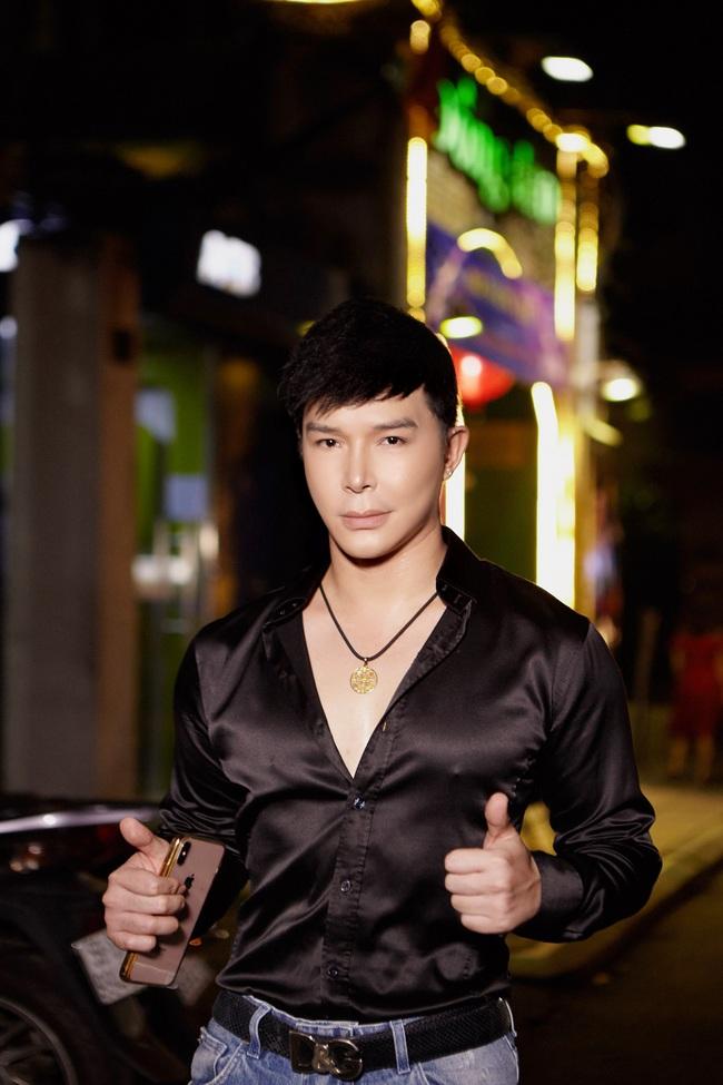 Nathan Lee lưu loát 5 ngoại ngữ, hát 20 ca khúc trong đêm nhạc đầu năm mới  - Ảnh 7.