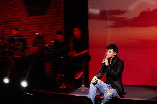 Nathan Lee lưu loát 5 ngoại ngữ, hát 20 ca khúc trong đêm nhạc đầu năm mới  - Ảnh 10.