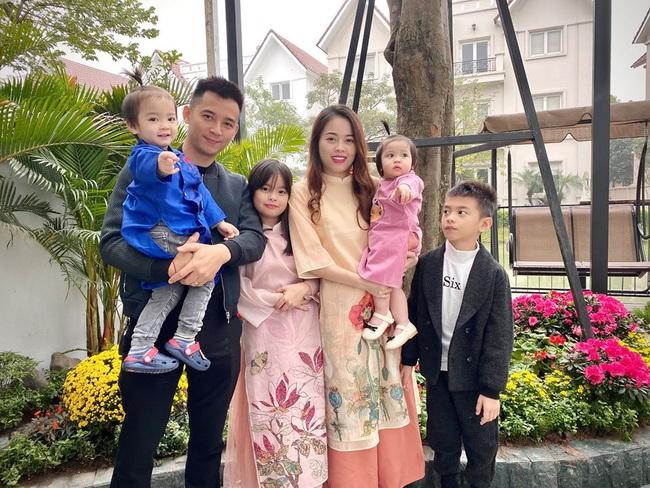 4 Hot mom nổi tiếng chi tiền mua đồ cho con: Người sành điệu như fashionista, kẻ quẹt thẻ một lần bay hết tháng lương người bình thường - Ảnh 17.
