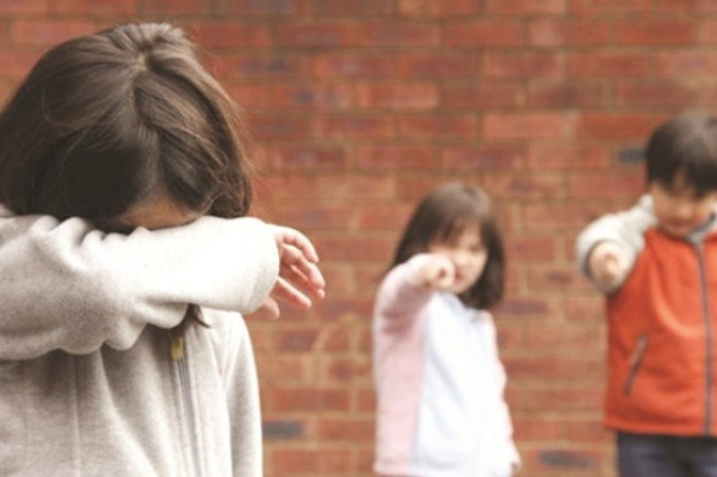 Các bà mẹ Trung Quốc phẫn nộ khi con bị kỳ thị, bắt nạt trong trường học ở Anh chỉ vì một quan niệm sai lầm của các phụ huynh khác:  virus corona là  virus Trung Quốc - Ảnh 3.