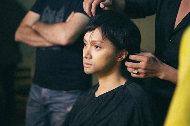 Cận cảnh quá trình Hoa hậu Hương Giang từ nữ thành nam: Lộ mặt kém sắc, nịt ngực, cắt bỏ luôn tóc dài  - Ảnh 7.