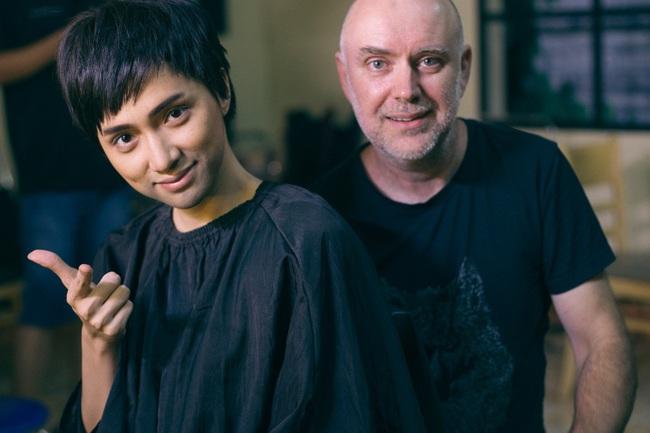 Cận cảnh quá trình Hoa hậu Hương Giang từ nữ thành nam: Lộ mặt kém sắc, nịt ngực, cắt bỏ luôn tóc dài  - Ảnh 10.