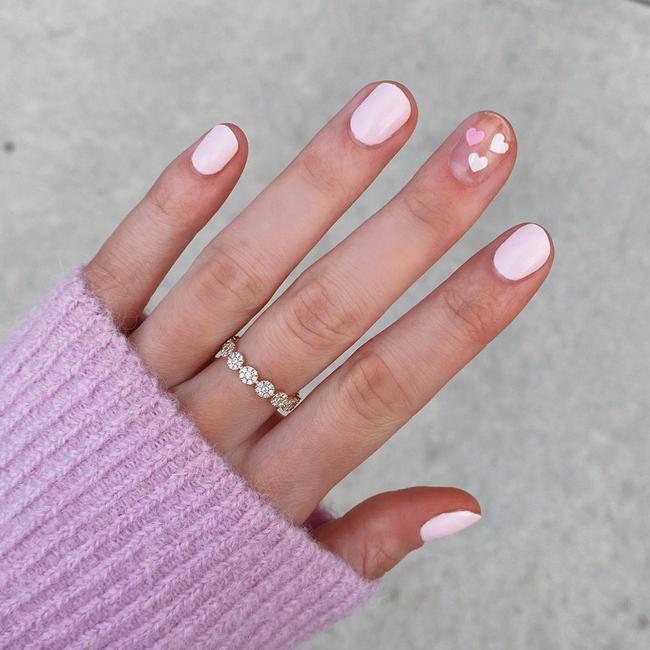 Gợi ý 14 bộ nail xinh yêu hết cỡ cho dịp Valentine, bạn mà diện thì đảm bảo cầm tay thôi cũng chiếm trọn trái tim chàng - Ảnh 1.