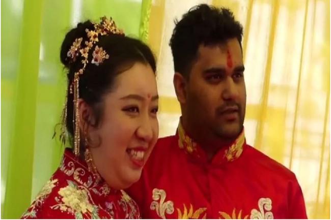 """Cô dâu Trung Quốc vẫn tổ chức đám cưới với chồng Ấn Độ giữa """"bão virus Corona"""", đội ngũ 6 bác sĩ phải túc trực kiểm tra sức khỏe hàng ngày cho những người Trung đến dự - Ảnh 2."""