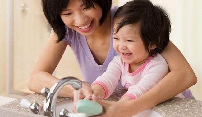 """Bố mẹ nên làm gì để trở thành """"lá chắn"""" cho con khỏi virus corona? - Ảnh 4."""