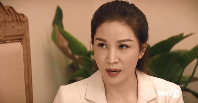 """""""Sinh tử"""" tập 58: Xuất hiện nữ diễn viên xinh đẹp giở trò """"ăn vạ"""" Hoàng Dũng sau khi được Việt Anh xúi bậy - Ảnh 2."""