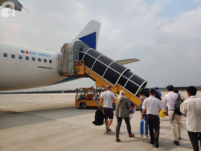 Bộ Y tế gửi công điện khẩn yêu cầu tìm kiếm 67 hành khách lưu trú tại Trung Quốc vừa nhập cảnh TP.HCM - Ảnh 1.