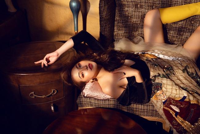 Hoa hậu Phương Khánh hóa công chúa cổ tích nhân ngày đầu năm - Ảnh 4.