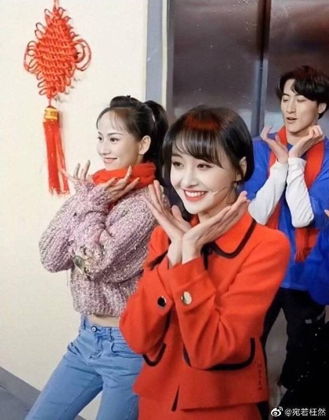 Lộ clip Trịnh Sảng nhảy múa cực yêu ở hậu trường, xinh đẹp rực rỡ như chưa hề có ồn ào chia tay thiếu gia, mất 67 tỷ - Ảnh 4.