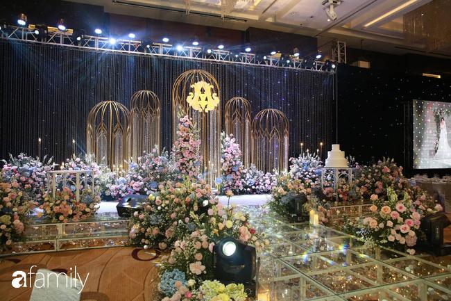 Mãn nhãn với lễ đường lộng lẫy như cổ tích và sảnh tiệc cưới chiều nay ở khách sạn 5 sao của cặp đôi Duy Mạnh - Quỳnh Anh - Ảnh 5.