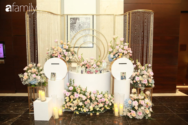 Chiếc váy trăm triệu của Quỳnh Anh bất ngờ được đặt giữa lễ đường, chiêm ngưỡng không gian sảnh cưới đẹp như cổ tích trước giờ G - Ảnh 4.