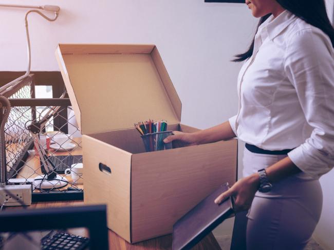 10 dấu hiệu cho thấy công việc hiện tại đang khiến bạn đau khổ và buồn chán mỗi ngày đi làm! - Ảnh 4.