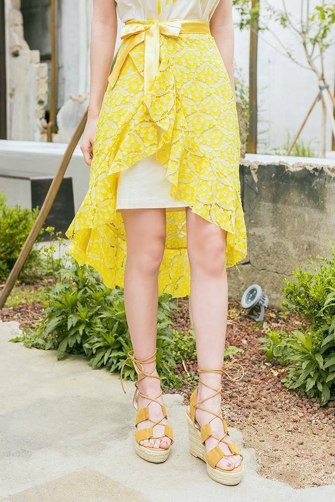 Hè này chân váy toàn những mẫu đã đẹp còn điệu khiến các nàng chẳng thể làm ngơ - Ảnh 24.