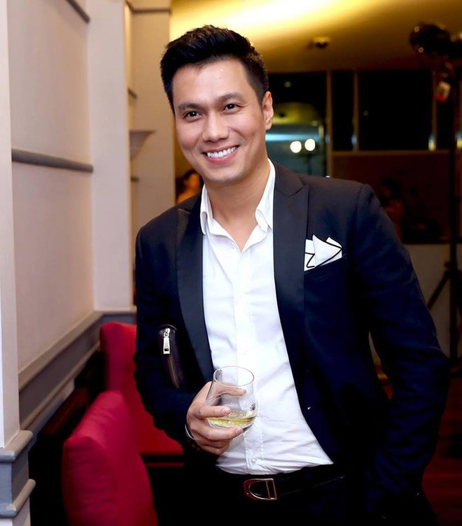 Hết bọc răng sứ, diễn viên Việt Anh lại tiếp tục lên đời nhan sắc nhờ phun thêu lông mày - Ảnh 9.