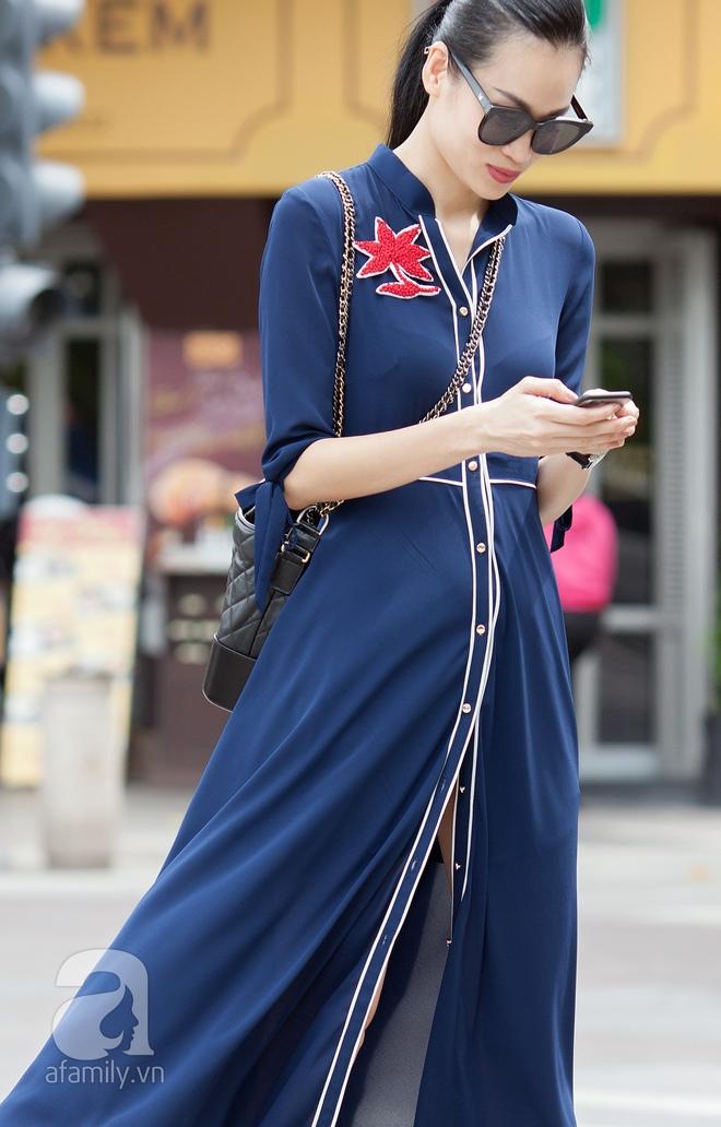 Street style cuối tuần: Quý cô hai miền - người lấp ló chân thon dài, người khoe vai trần cá tính - Ảnh 11.