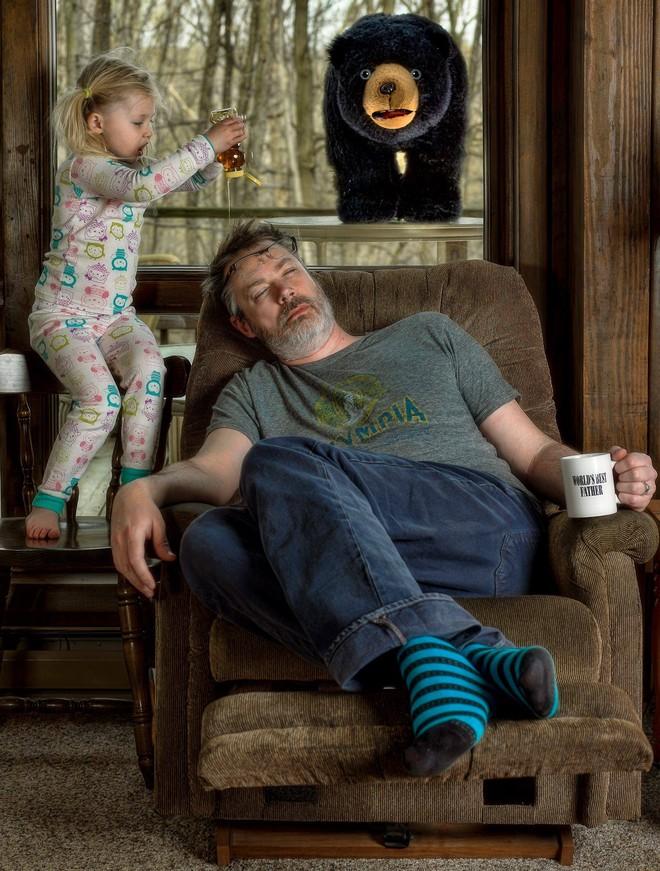 Cười nghiêng ngả trước 24 ảnh về ông bố yêu con nhất quả đất - Ảnh 2.