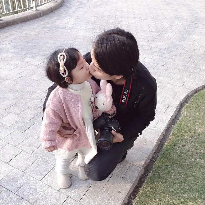 Sắp 30 đến nơi, cựu hot girl Ngọc Mon vẫn trẻ trung sành điệu, hưởng thụ cuộc sống viên mãn bên chồng kém tuổi - Ảnh 14.