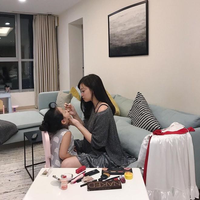 Sắp 30 đến nơi, cựu hot girl Ngọc Mon vẫn trẻ trung sành điệu, hưởng thụ cuộc sống viên mãn bên chồng kém tuổi - Ảnh 10.