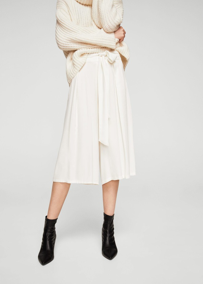 Gợi ý 15 mẫu quần dài từ Zara, Mango, H&M cứ mặc cùng boots là đẹp - Ảnh 12.