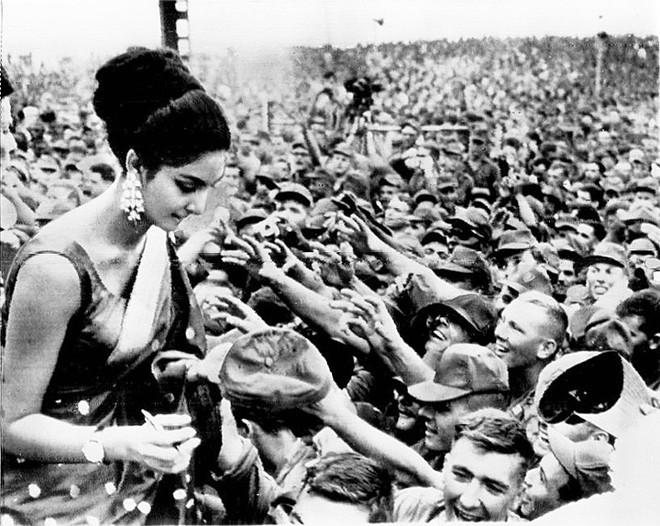 66 năm tổ chức, Miss World hóa ra chỉ là cuộc đua tranh thống trị giữa hai cường quốc nhan sắc Ấn Độ và Venezuela - Ảnh 6.