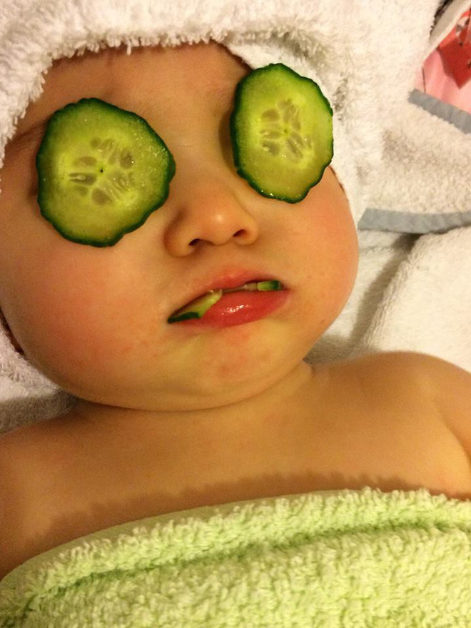 Truy lùng danh tính em bé trong clip rửa mũi gây sốt những ngày qua - Ảnh 8.
