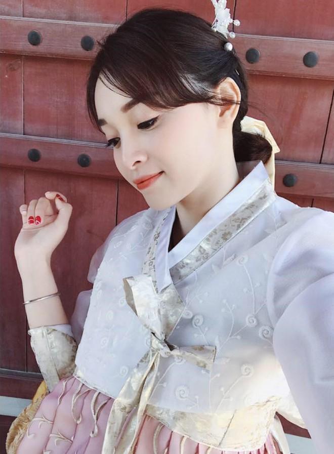 Sắp 30 đến nơi, cựu hot girl Ngọc Mon vẫn trẻ trung sành điệu, hưởng thụ cuộc sống viên mãn bên chồng kém tuổi - Ảnh 27.