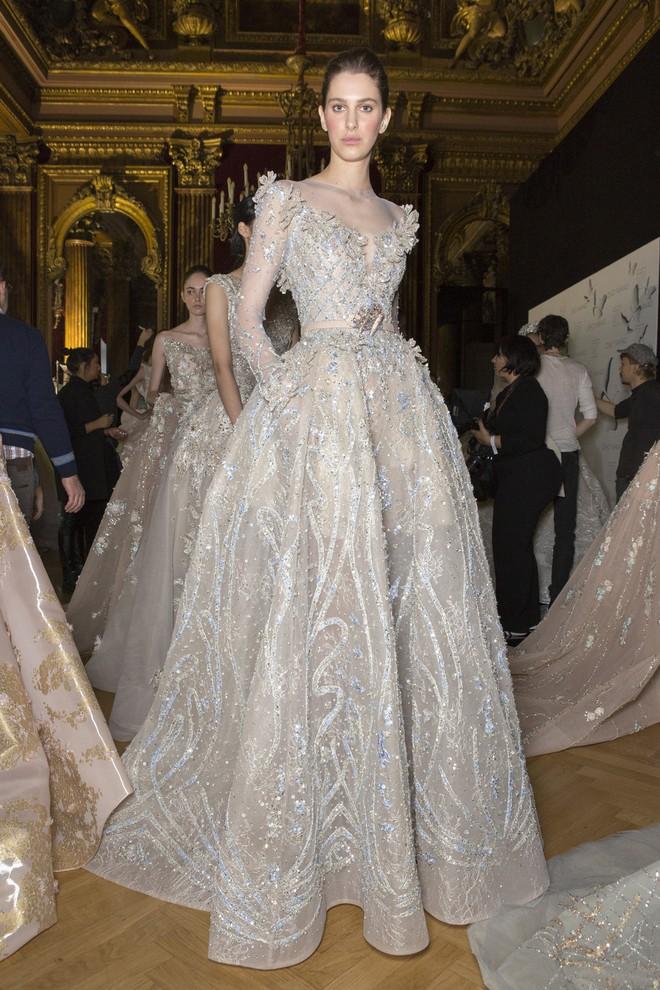 Muốn gây ấn tượng trong ngày trọng đại, các cô dâu đừng bỏ qua 7 mẫu váy này - Ảnh 27.
