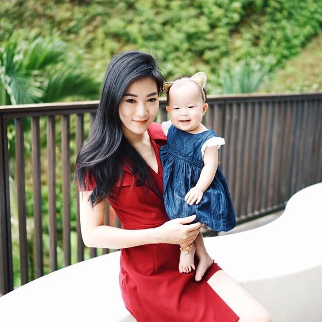 Cuộc sống như mơ của hot mom 2 con xinh đẹp: Sự nghiệp đình đám, chồng chiều, con siêu đáng yêu - Ảnh 35.
