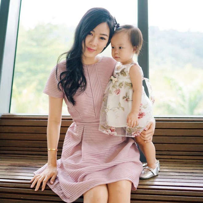 Cuộc sống như mơ của hot mom 2 con xinh đẹp: Sự nghiệp đình đám, chồng chiều, con siêu đáng yêu - Ảnh 1.
