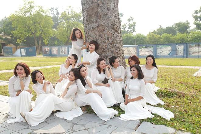 Bộ ảnh kỷ niệm 20 năm hội bạn thân Hà Nội sẽ khiến ta thầm mong một tình bạn như thế - Ảnh 27.