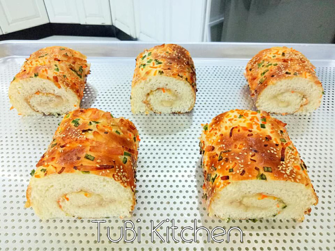 Học ngay cách làm bánh mì chà bông ngàn like của mẹ 8x siêu đảm - Ảnh 5.