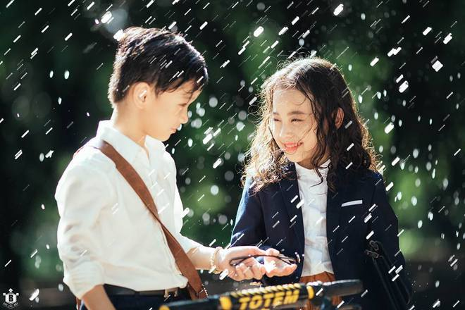 Truy lùng danh tính cặp đôi Em gái mưa phiên bản nhí trong bộ ảnh đang gây bão táp mạng xã hội - Ảnh 3.