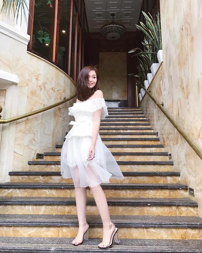 Sắp 30 đến nơi, cựu hot girl Ngọc Mon vẫn trẻ trung sành điệu, hưởng thụ cuộc sống viên mãn bên chồng kém tuổi - Ảnh 18.