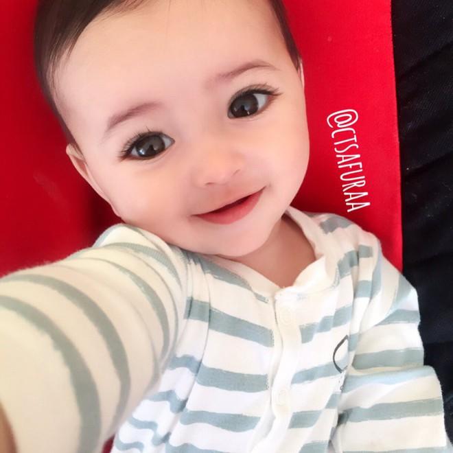 """Lại thêm 1 em bé lai có đôi mắt đẹp hút hồn khiến fan hâm mộ """"phát sốt"""" - Ảnh 23."""