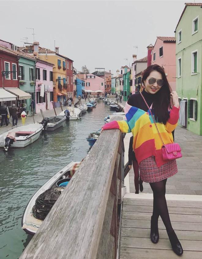 Đăng Thư - cựu hot girl Sài thành 10 năm trước nay đã là mẹ 2 con sành điệu, trẻ mãi không già - Ảnh 27.