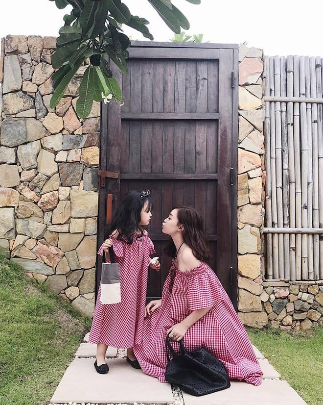 Sắp 30 đến nơi, cựu hot girl Ngọc Mon vẫn trẻ trung sành điệu, hưởng thụ cuộc sống viên mãn bên chồng kém tuổi - Ảnh 11.