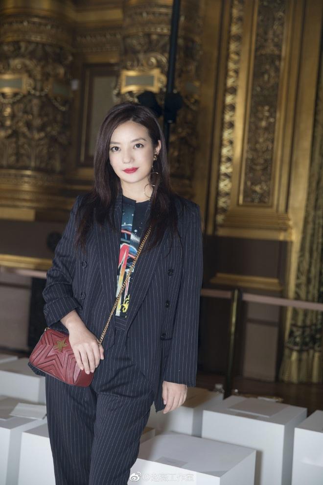 Dù đã ngoài 40, Triệu Vy vẫn gây ấn tượng bởi style trẻ trung và thanh lịch tại show diễn của Stella McCartney - Ảnh 4.