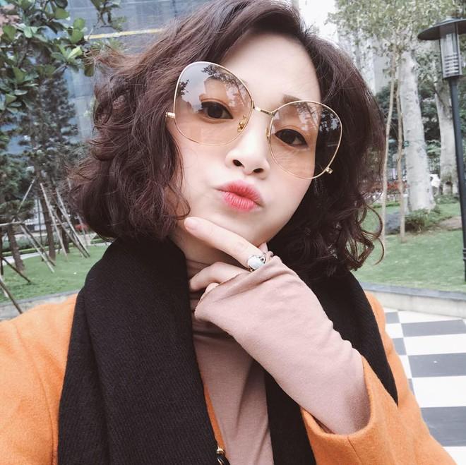 Sắp 30 đến nơi, cựu hot girl Ngọc Mon vẫn trẻ trung sành điệu, hưởng thụ cuộc sống viên mãn bên chồng kém tuổi - Ảnh 3.