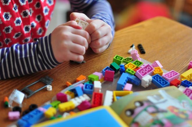 Đứa trẻ nào cũng nên có một bộ đồ chơi lego vì những lợi ích tuyệt vời này - Ảnh 2.