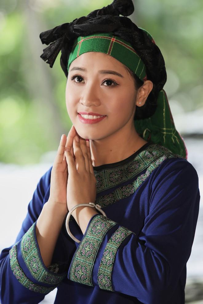 Sao mai Bích Hồng bất ngờ tái xuất với hit của NSND Thanh Hoa   - Ảnh 2.