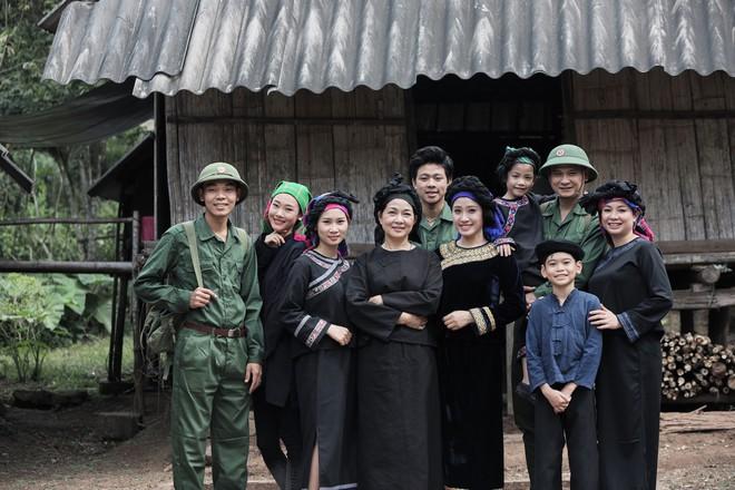 Sao mai Bích Hồng bất ngờ tái xuất với hit của NSND Thanh Hoa   - Ảnh 8.
