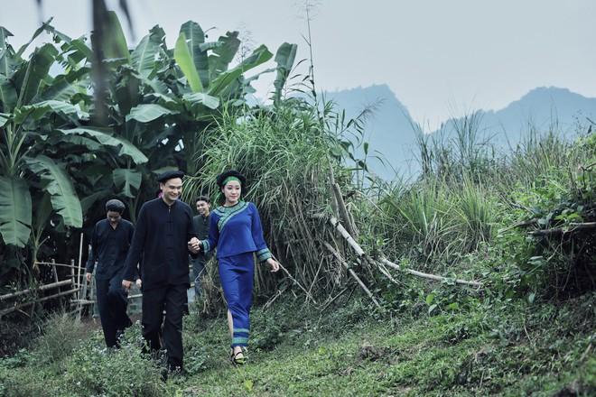 Sao mai Bích Hồng bất ngờ tái xuất với hit của NSND Thanh Hoa   - Ảnh 10.