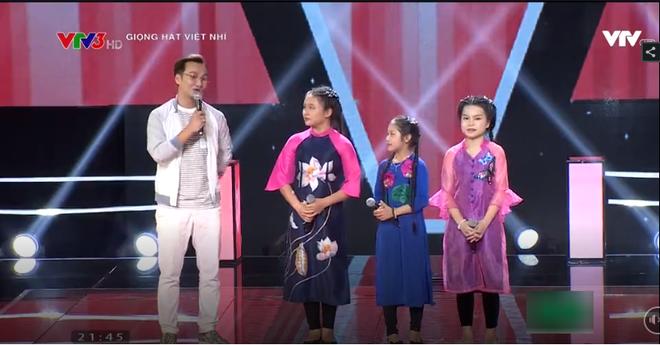 Âm mưu làm nổ tung sân khấu Giọng hát Việt nhí 2017, HLV Hương Tràm rơi vào lựa chọn khó khăn - Ảnh 8.