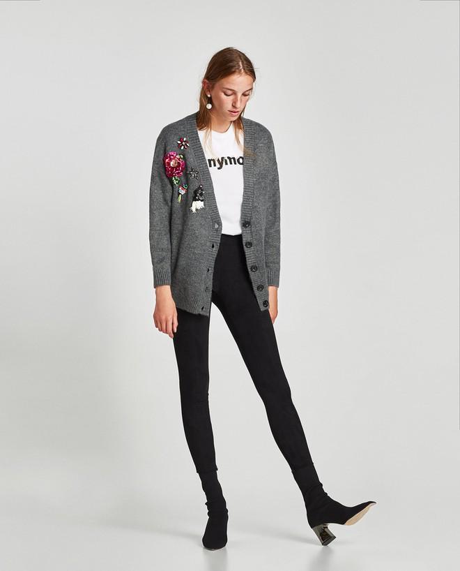 Gợi ý 15 mẫu quần dài từ Zara, Mango, H&M cứ mặc cùng boots là đẹp - Ảnh 10.